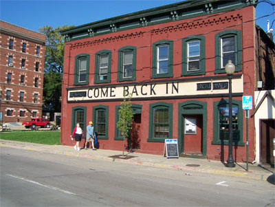 Come Back In Resturant in Madison
